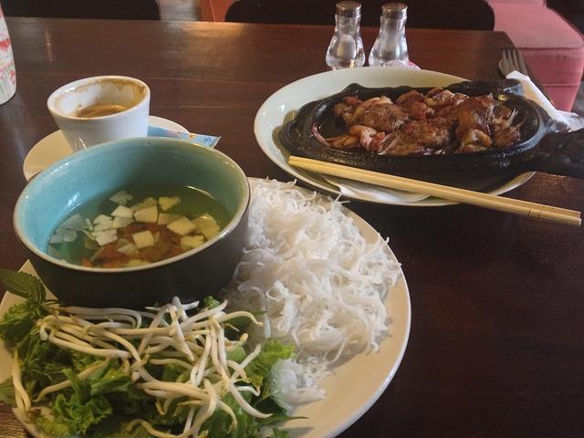 vietnamské jídlo.jpg